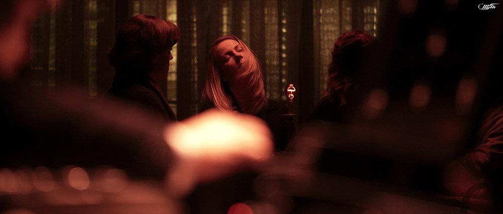 دانلود فیلم نورهای قرمز 2012 با دوبله فارسی